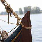На «средневековом судне» на дне реки под Великим Новгородом нашли кирпич с именем Ленина