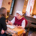 Хозяйка башни Лилия Торниеманд сравнивает профессию повара с водителем автобуса и призывает уважать еду