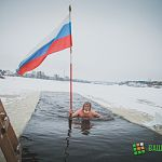 Любители зимнего плавания устроили традиционный эстафетный марафонский заплыв в Волхове