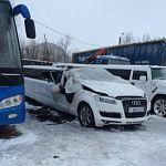 На пожаре в Великом Новгороде пострадал лимузин
