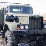 В Новгородской области водитель «Урала», помогая товарищу чинить машину, задавил его