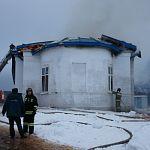 Священник пострадал на пожаре в боровичском храме, спасая иконы
