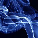 Новгородцев оштрафовали почти на 600 тысяч за курение в неположенном месте