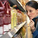 «Ведомости»: в этом году российские семьи потратят на продовольствие более 50% бюджетов