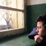 В Новгородской области будут судить 15-летнего подростка, ограбившего 85-летнюю женщину