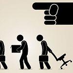 Увольнения в кризис больше других опасаются работники банков, сфер управления и страхования