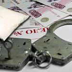 Сотрудника УФСКН в Великом Новгороде заподозрили в том, что он подбросил наркотики