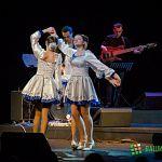 Ребята из коллектива жестового пения «Шаг к мечте» выступили на одной сцене с участниками проекта «Голос»