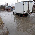 В «озере» у городского ОГИБДД, образовавшемся из-за отсутствия ливнёвки, утонуло несколько автомобилей