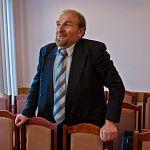 После заявления Машкетова о создании второго отделения «ОНФ» в приёмную президента стали звонить бабушки