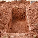 Вынесен приговор трем новгородцам, живьем закопавшим человека в могиле