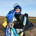 Парашютиста Сергея Шигаева доставили на вертолете в Санкт-Петербургский НИИ скорой помощи