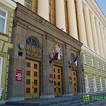 Два советника покинули Дом Советов