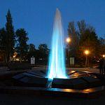 Старорусский фонтан заиграл всеми цветами радуги