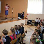 Новгородские волонтеры рассказывают детям о том, как выжить в лесу и вести себя с опасным незнакомцем
