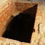 В Юрьевом монастыре археологи вскрыли гробницу архиепископа Феоктиста