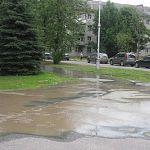 Фотофакт: утечка из колодца на Кооперативной обернулась потопом