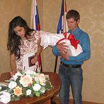 Новгородская пара из роддома отправилась в ЗАГС