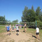 В деревне Бураково День физкультурника отметили волейболом