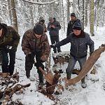 В Новгородской области нашли торчащий из земли Як-7