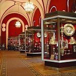 Новгородские полицейские нашли похищенные золото и бриллианты