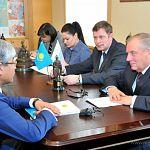 Сергей Митин обсудил с консулом Казахстана экономическое сотрудничество