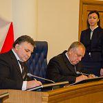 Новгородское правительство подписало соглашение о сотрудничестве со старейшим педиатрическим вузом мира