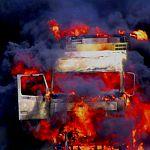 В Боровичах сгорел бензовоз