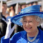 Английскую королеву приглашают на футбольный матч в Серпухове