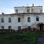На раскопках в новгородском храме нашли гранаты