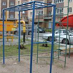 Активисты Народного фронта обнаружили массу недочётов на детских площадках