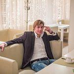 Певец Денис Яковлев приглашает читателей «Ваших новостей» на свой концерт в филармонии 4 ноября