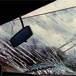В аварии на скользкой дороге в Парфинском районе пострадал трёхмесячный малыш