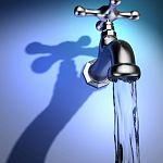 Роспотребнадзор предлагает начать с марта экономить на температуре горячей воды
