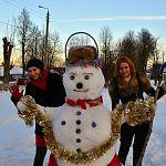 Читатели делятся с «Вашими новостями» портретами своих снеговиков