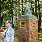 Новые бюсты на Аллее героев в Старой Руссе сделает тот же скульптор, который изваял памятник советскому солдату