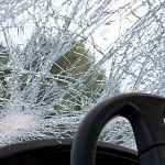 Два дальнобойщика попали в больницу после столкновения фур под Валдаем