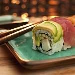 Суд взыскал деньги в пользу новгородки, отравившейся суши