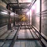 Прораб отработает падение каменщика в шахту лифта на строительстве дома на Псковской