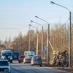 В Великом Новгороде «Камаз» сбил столб