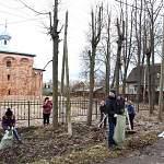 В Старой Руссе первые субботники провели на туристических маршрутах