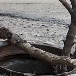 «Водоканал» просит новгородцев сообщать об открытых люках