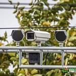 ГИБДД ответила новгородцу, который «получил штраф с камер, объезжая люк»
