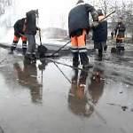 А в Боровичах тем временем дорожные работы снова ведут в дождь