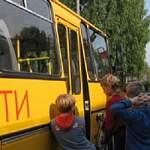 Прокуратура Хвойнинского района требует устранить нарушения при перевозке детей школьными автобусами