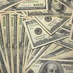 Золото падает — доллар растет