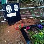 На Деревяницком кладбище злоумышленники пытались похитить несколько надгробных плит