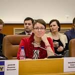 Депутат Елена Михайлова хочет, чтобы кандидаты в губернаторы поборолись за её голос