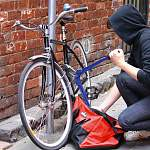 Попались с чужими велосипедами… в чужом гараже