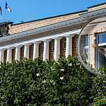 Не шибко ли бедствуют новгородские чиновники? Удовлетворяем интересы граждан
